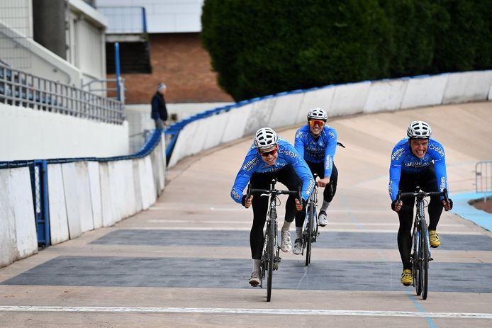 Wout van Aert klopte in een spurtje Stijn Steels op de piste van Roubaix.