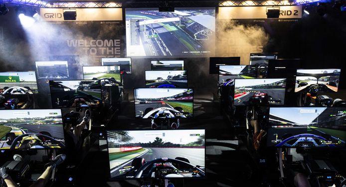 In het F1 Racing Centre staat de ervaring van de bezoeker centraal. Met lichteffecten, wind en rook moeten de race-omstandigheden zo goed mogelijk nagebootst worden.