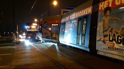 Tram ontspoord na aanrijding in Ledeberg