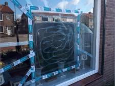 Thools echtpaar krijgt baksteen door de ruit: 'Gelukkig zaten we niet voor het raam'