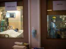Moins de 700 patients hospitalisés, les contaminations en légère hausse