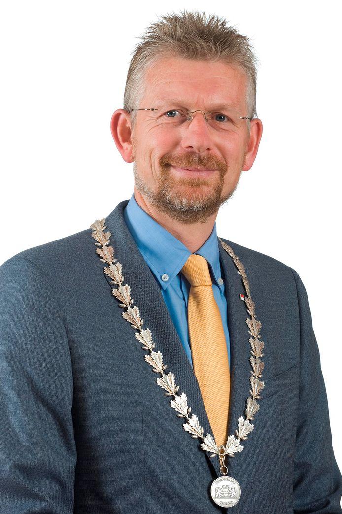 Jan de Boer, nu nog burgemeester van Buren