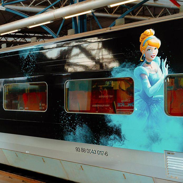 De sprookjestrein die vanaf vandaag Rotterdam CS aandoet.