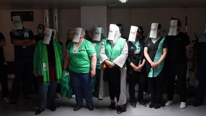 """Schoonmaakpersoneel in ziekenhuizen voert actie na """"vergeten"""" coronapremie"""