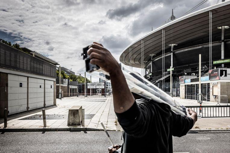 De eerste ontploffing op die noodlottige 13de november weerklonk aan het Stade de France. Beeld Franky Verdickt
