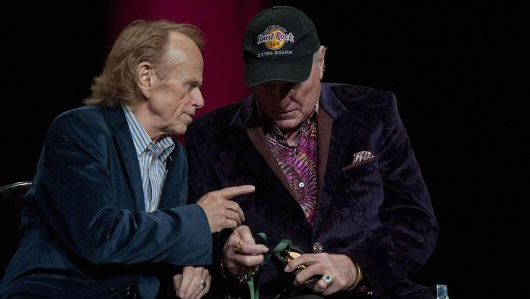 Al Jardine (L) and Mike Love Beeld reuters