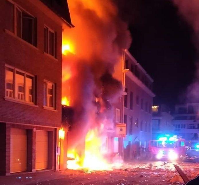 De brand volgde op een zware explosie.