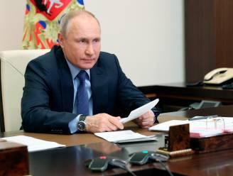 """Poetin dreigt ermee tegenstanders van Rusland """"de tanden uit te slaan"""""""