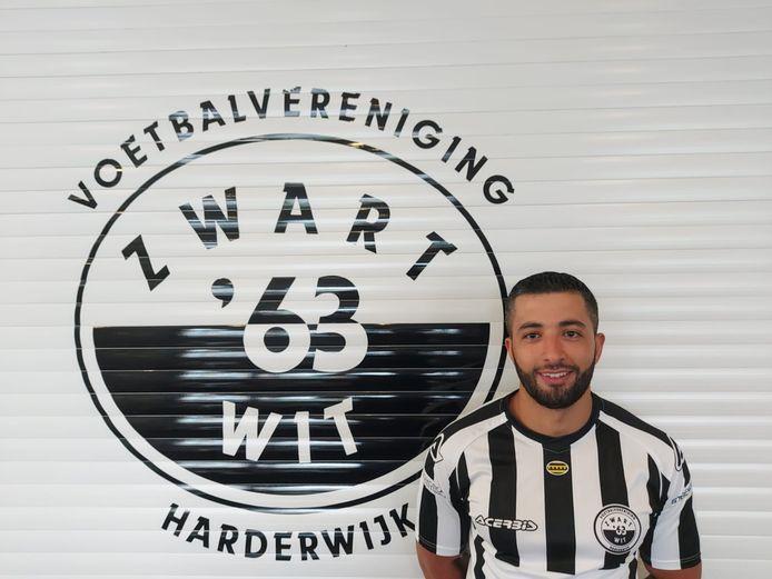 Ali Akachar trekt komend seizoen het shirt van Zwart-Wit'63 weer aan.