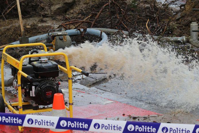 Gigantisch waterlek aan Sportkot: deel Tervuursevest afgesloten wegens wateroverlast