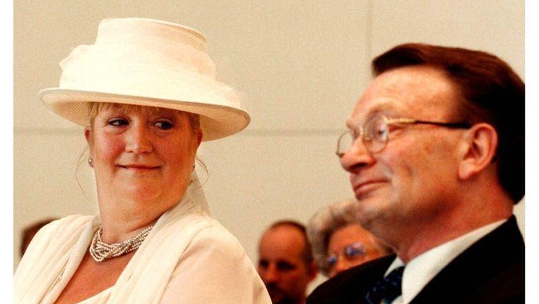 Hans Janmaat (61) en Wil Schuurman treden in het huwelijk (1996). Beeld anp