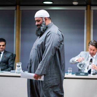 Verhoor parlementaire enquêtecommissie: imam Salam draait de rollen om