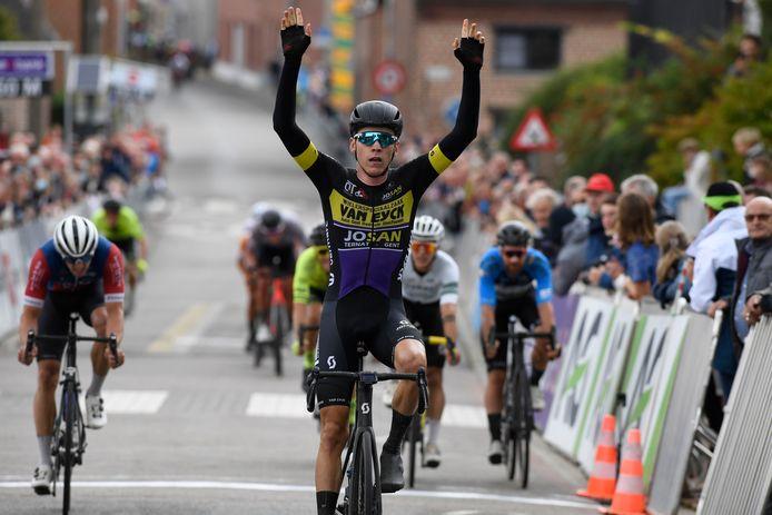 Tom Timmermans won de sprint in Bertem met duidelijk verschil.