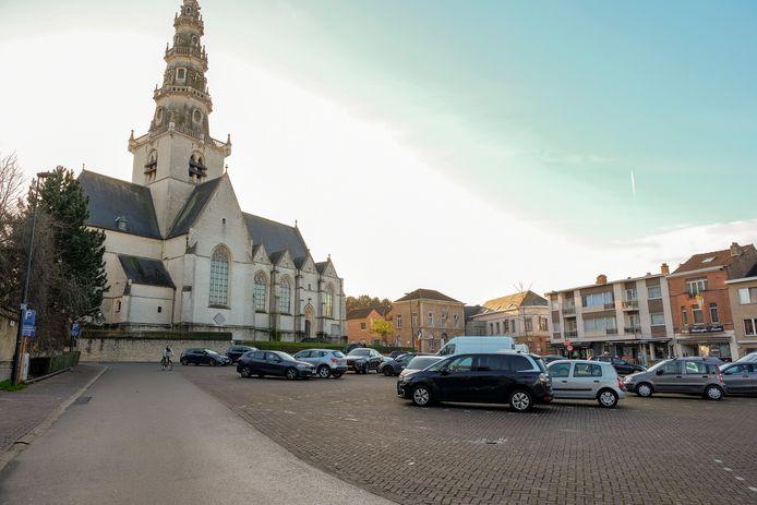 De overlast situeert zich in de wijken rond de kerk.
