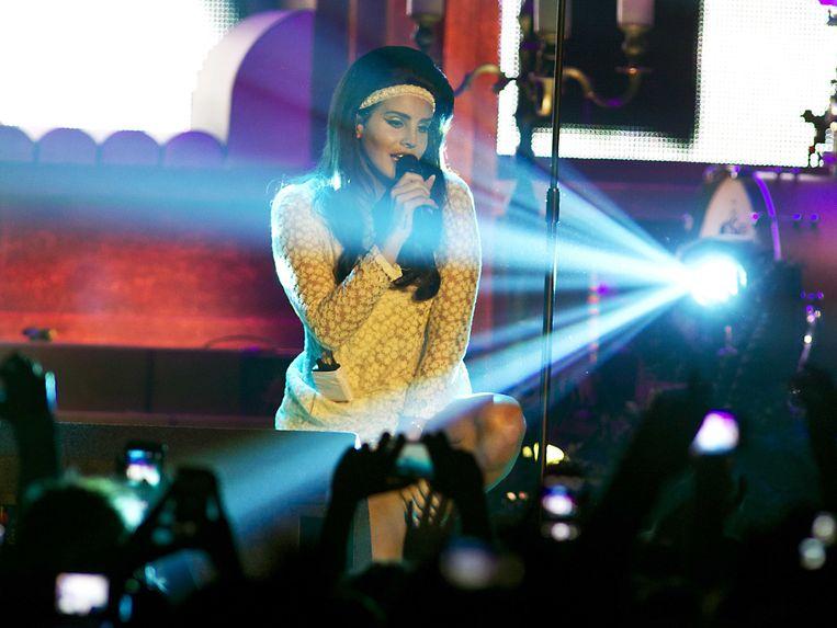 2013-05-29 AMSTERDAM - De Amerikaanse zangeres Lana del Rey tijdens haar concert in het HMH in Amsterdam. ANP KIPPA PAUL BERGEN Beeld ANP Kippa