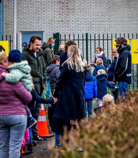 Een hek om Bergschenhoek om Britse coronavariant tegen te houden? 'Het kán helpen'