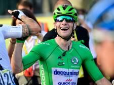 Sam Bennett juicht in groen op Champs-Élysées: 'Kan niet zeggen hoe blij ik ben'