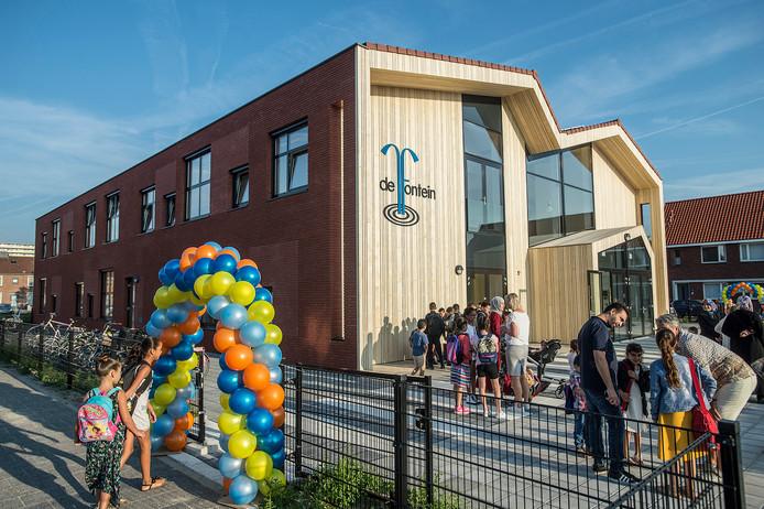 Basisschool De Fontein start het nieuwe schooljaar in een gloednieuw gebouw.