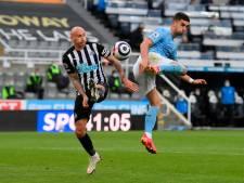 Man City viert Premier League-titel in heerlijk spektakelstuk met zéér bijzondere debutant