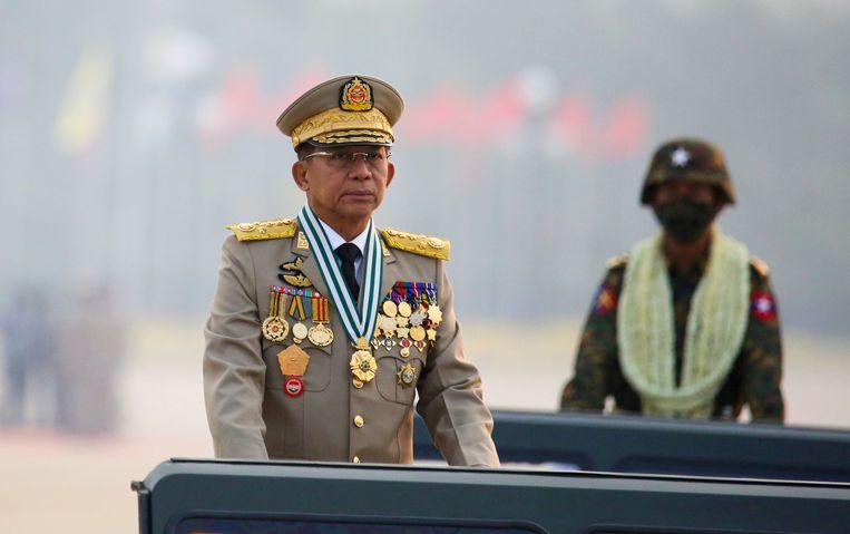 Myanmars legerleider Senior General Min Aung Hlaing bij een militaire parade eerder deze maand in de hoofdstad Naypyitaw. Beeld REUTERS