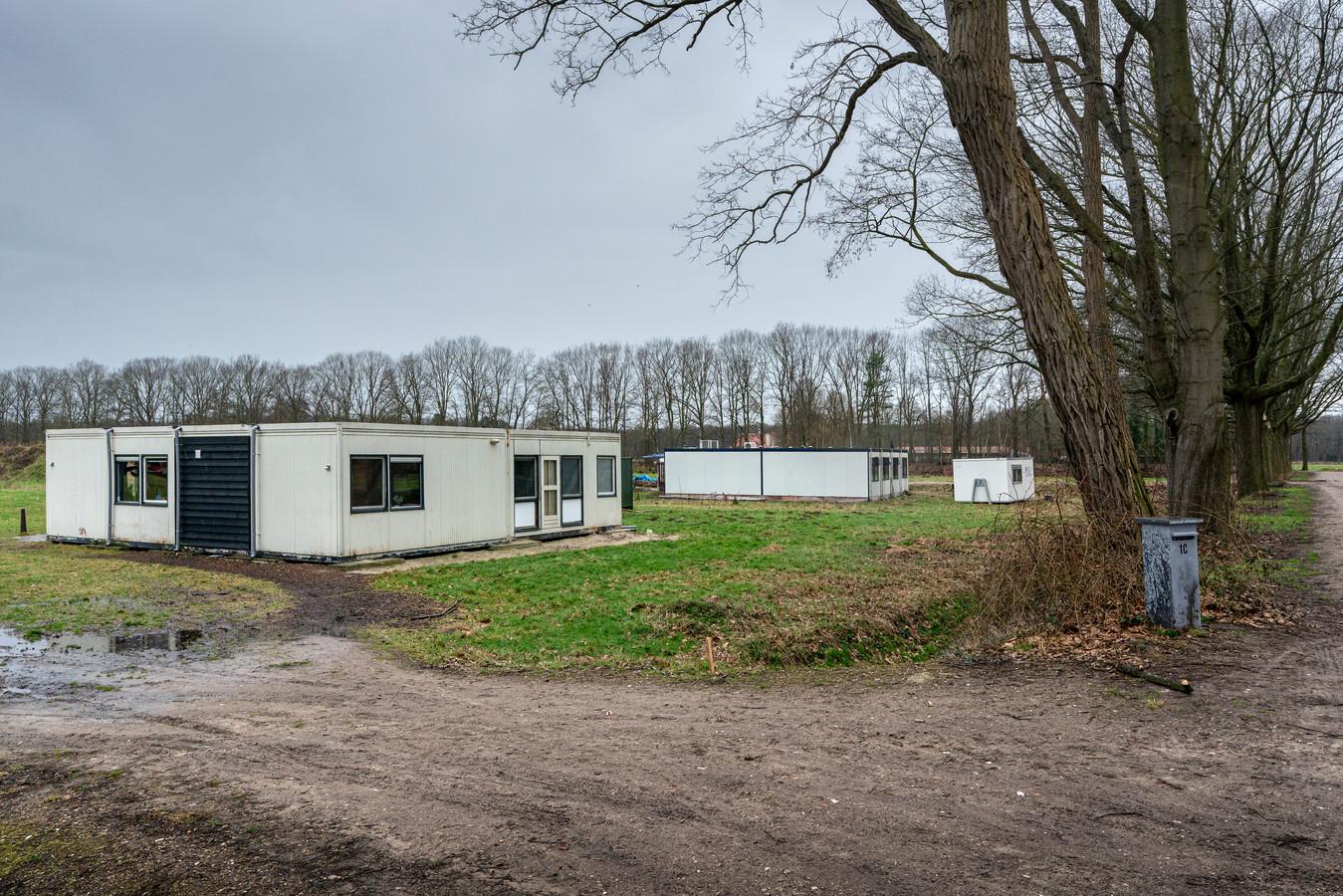 Bewoners op landgoed Theede wonen nu in containerhuizen.