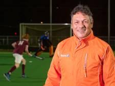 Twentse Hockeytrainer Ronald Brouwer: 'Spelers dagen elkaar in de app uit'