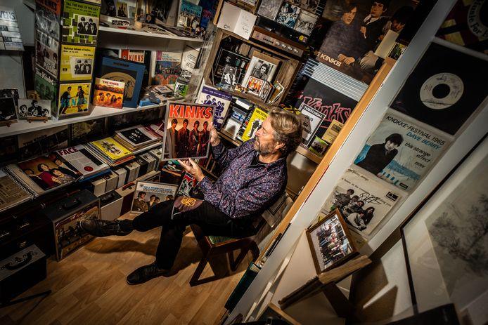 """Dick van Veelen is fan van The Kinks en schreef een boek. ,,The Kinks en hun voorman Ray Davies hebben nooit de oren laten hangen naar de hypes van de dag."""""""