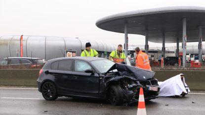 Reeks ongevallen op E17 door spekgladde weg