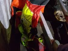 Gestolen waterpakken reddingsbrigade Tiel gevonden in sloot