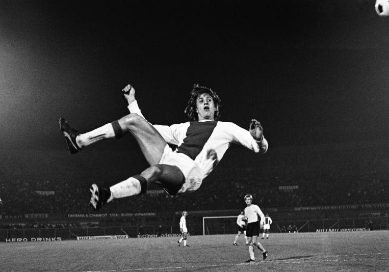 Een omhaal van de Johan Cruijff in 1971. Beeld anp