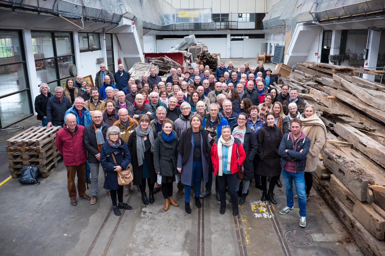 Een rondleiding voor Oyfo-medewerkers in het Hazemeijercomplex.