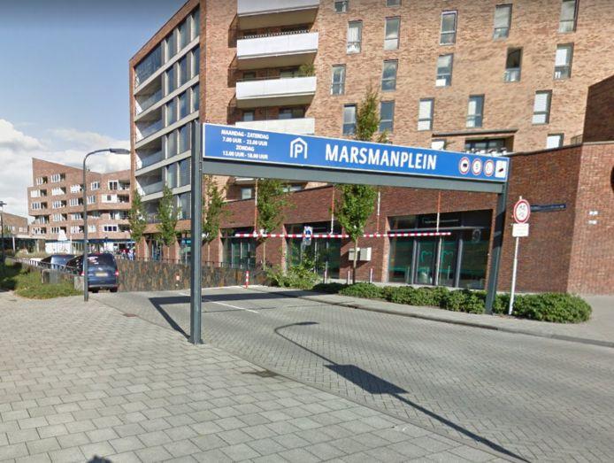 De ingang van de parkeergarage Marsmanplein