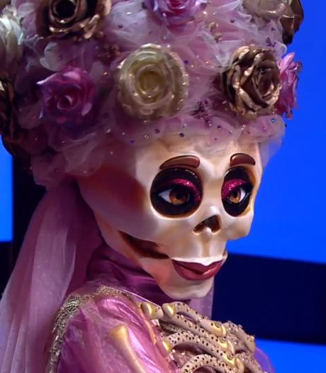 Mysterieus skelet maakt tongen los bij recordstart The Masked Singer
