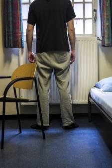 Rotterdamse bewaker (29) aangehouden voor ontucht met vrouwelijke arrestant