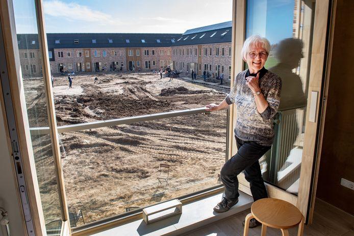 """Hélène Bontjer verruilde een ruime woning voor een appartement in de woongemeenschap. ,,Ik was op zoek naar een inspirerende omgeving."""""""