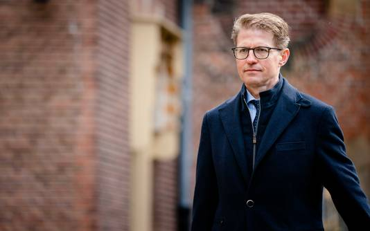 Minister Sander Dekker voor Rechtsbescherming (VVD). Hij wil de zoektocht naar voortvluchtigen opvoeren.