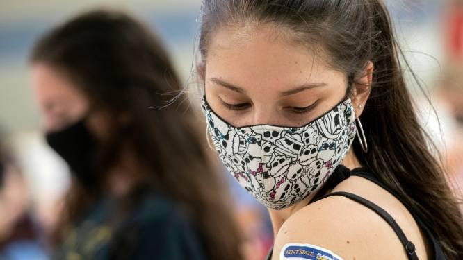 HERLEES. Nieuw advies: gevaccineerde Amerikanen moeten geen mondmasker meer dragen