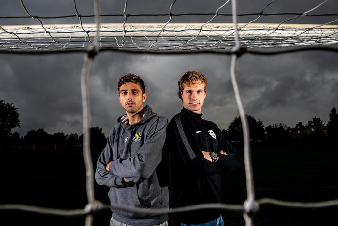 De vrienden Dylan de Bruin (links) en Damian Schipper treffen elkaar morgenavond in de derby WSV-Columbia.