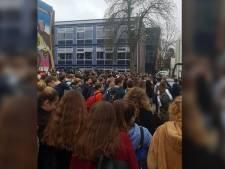 Veenendaalse scholieren naar huis gestuurd na groot protest tegen nepleerlingen RTL-programma