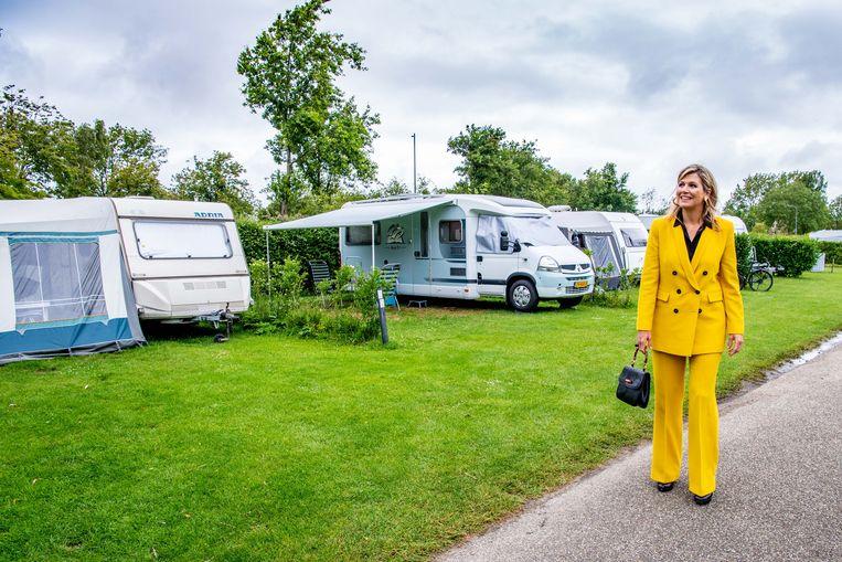 Koningin Maxima tijdens een werkbezoek aan de toeristische sector in de provincie Zeeland.  Beeld BrunoPress