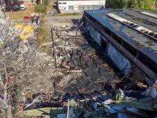 Uitgebrand probleempand in Hattem trekt veel bekijks: 'Boel had wel helemaal af mogen fikken'