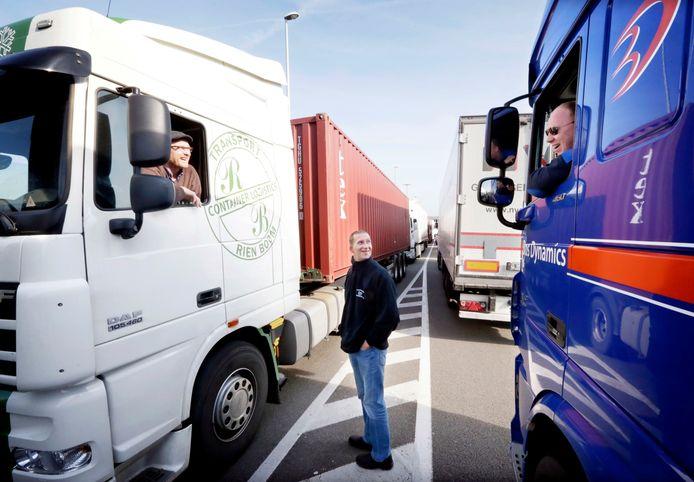 Er is een tekort aan vakbekwame vrachtwagenchauffeurs.