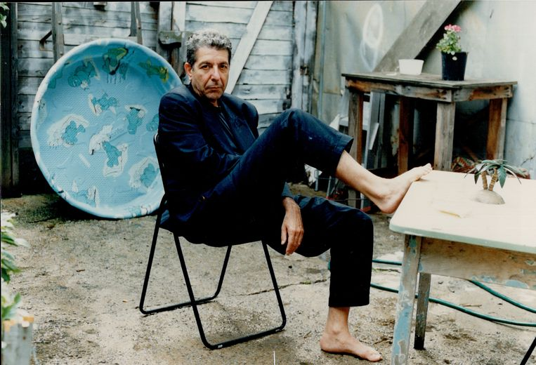 ► Leonard Cohen in 1988. Hij was toen 54. Beeld Toronto Star via Getty Images
