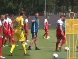 Eerste training FC Utrecht met nieuwe coach Van den Brom