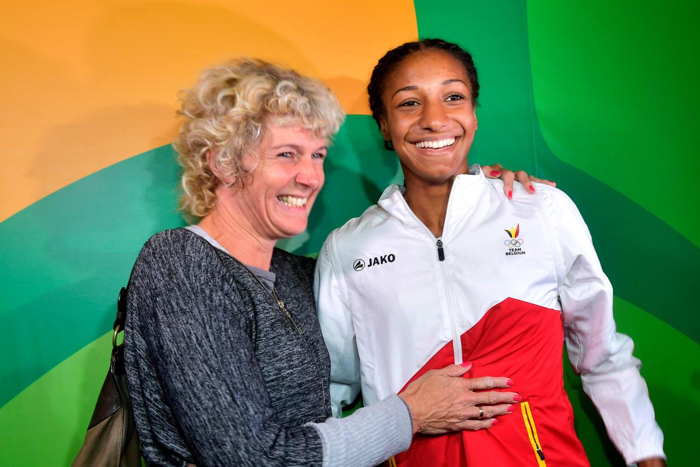 Op de Spelen In Rio was Daniele er wel bij, om haar 'poussin' eens stevig vast te pakken. Gisteren kon dat helaas niet.  Beeld Photo News