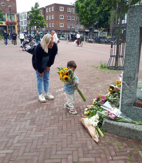 Ook in Arnhem bloemen voor Peter R. de Vries: 'Ik ben er werkelijk emotioneel door'