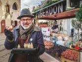 """Neuzenman Carl (58) blikt vooruit na faillissement: """"Tegen Pasen wil ik verrijzen op de Groentenmarkt"""""""