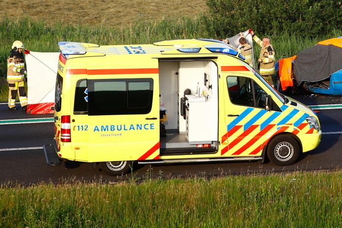 Bij een ongeval op de N50 is een persoon om het leven gekomen.