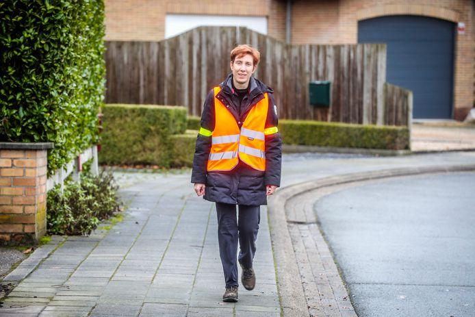 Juf Isabelle Plasman wandelt elke dag 13 kilometer van en naar haar school.