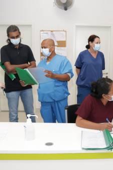 Toen Covid hier beter onder controle was, gingen deze artsen naar Suriname: 'We geven alles'